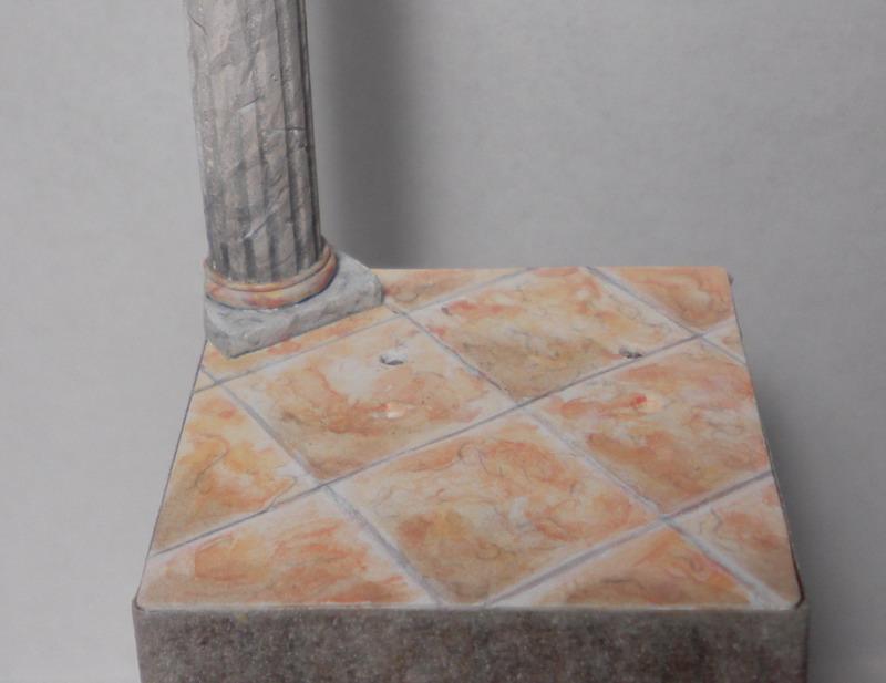 Triplozero dipingere un pavimento in marmo